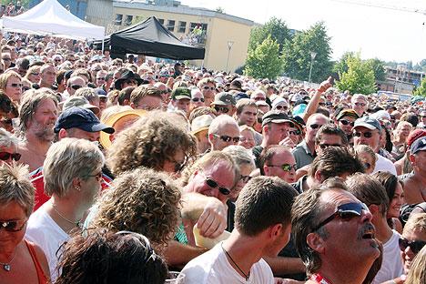 Utsolgte konserter var med på å sikre Notodden Bluesfestival et sikkert økonomisk grunnlag foran jubileet i 2007. Foto: Jørn Gjersøe, NRK.
