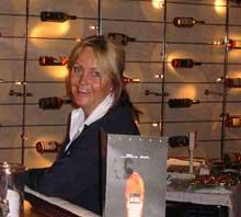 Christina Bjerkaas er cruisemanager om bord og ansvarlig for underholdningen. (Foto: Sjur Sætre, NRK)
