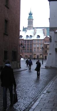 Warszawa har mer enn rimelige butikker å by på. Her fra gamlebyen. Foto: Åsta Yggeseth