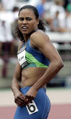 Marion Jones etter 100-meteren under det amerikanske mesterskapet i juni der hun avla den positive dopingtesten. (Foto: AP/Scanpix)