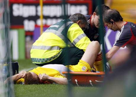 John Arne Riise skadet seg i serieåpningen. (Foto: Reuters/Scanpix)