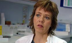 Sameline Grimsgaard er prosjektleder for den største akupunkturstudien som er gjort i Norge. Foto: Ronald Hole, NRK