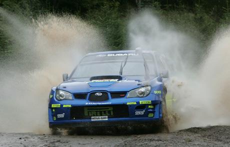Petter Solberg under første fartsprøve i Rally Japan (AP Photo/Katsumi Kasahara)