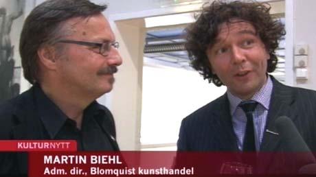 Sune Nordgren sammen Martin Biehl, til høyre, ferier at bildene er kommet tilbake. Foto: NRK