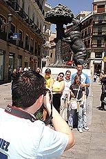 Turister på Plaza Mayor. Foto Arnt Stefansen.