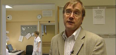 Allmennlege Svein Aarseth innrømmer at legevaktsarbeid ikkje er det mest attraktive.
