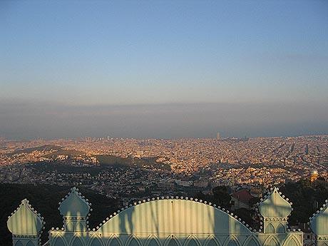 Barcelona - 1,6 millioner innbyggere, og 115 stoppesteder for den som vil gå i modernismens fotspor. Foto Andreas Toft.