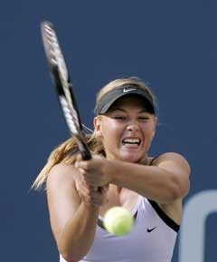 Maria Sjarapova under semifinalen. (Foto: AFP/Scanpix)