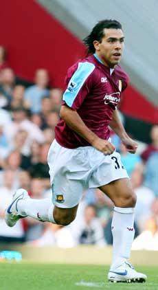 Carlos Tevez debuterte for West Ham i dag. (Foto: Simon Dawson AP/Scanpix)