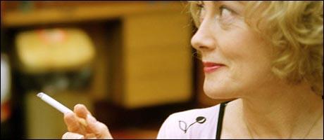 Lillian fra The Smoking Room (Foto:BBC-Comedy)