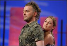 """Erlend og Kjerstin fremfører en litt annerledes versjon av """"I will always love you"""" se klippet som ikke ble vist på TV her. (Lenke oppe til høyre) (Foto: Erik Dyrhaug)"""