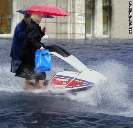 Det ekstreme været gjør at mange eldre kjøper vann-scooter. Det er dessuten morsommere enn å bruke sparkstøtting, hevdes det. (Alltid Moro)