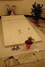 Graven som har blitt en av de største attraksjonene i Vatikanet. Foto Arnt Stefansen.