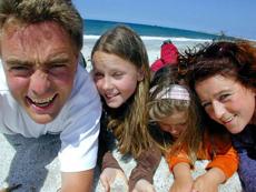 Kjetil, Renee, Idun og Anita - familien som skal gi oss bedre Italia-opplevelser. Foto Dolcevita.