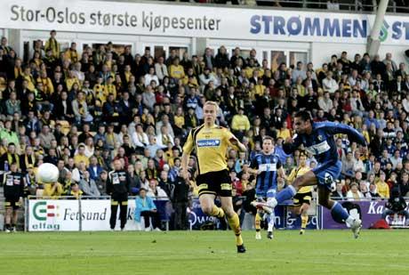 Stabæks Daniel Nannskog knaller inn 0-1. (Foto: Erlend Aas / SCANPIX)