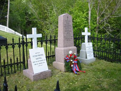 Gravstaden til Ole Elias Holck ved Lavik kyrkje. Foto: Ottar Starheim, NRK
