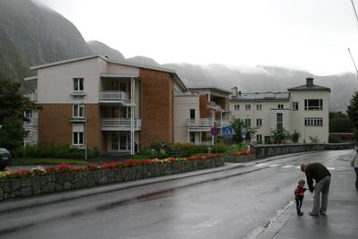 Tidlegare Høyanger sjukehus, no Høyanger sjukeheim. Foto: Ottar Starheim, NRK