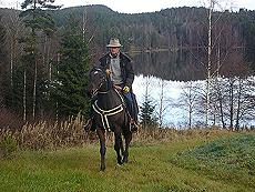 Å oppleve naturen fra hesteryggen, kan være en stor opplevelse både for erfarne og uerfarne. Foto Western Adventures.