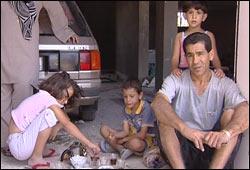 Nesten en million mennesker ble drevet på flukt under sommerens krig i Libanon. Foto: NRK/Brennpunkt