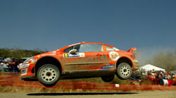OMV-Peugeots Henning Solberg i aksjon under Corona Rally i mars i år. (Foto: AP/ SCANPIX)