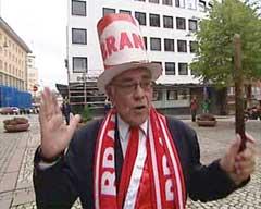 Branns speakerlegende Terje Bøe gledet seg stort til kampen. (Foto: Dag Harald Kvammen Andersen/NRK)