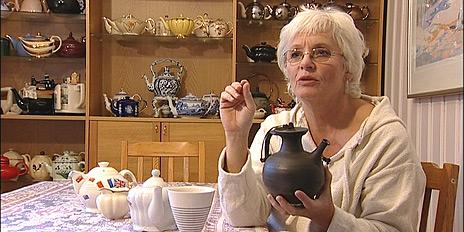 Anne Marthe Albers er en lidenskapelig samler av tekanner.