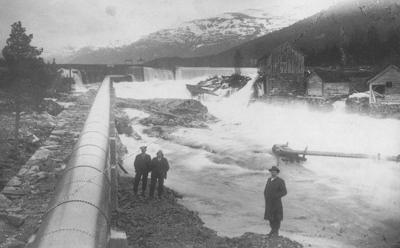 Kviafossen ca. 1914. Foto: Isak I. Hellebust © Fylkesarkivet