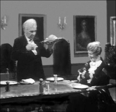 """Som kompensasjon for dobbel tv-lisens i januar og februar, blir """"Grevinnen og hovmesteren"""" i år vist både lille julaften og nyttårsaften. Dette opplyser Bernander i en pressemelding. (Willy Haugvik) Foto: NRK"""