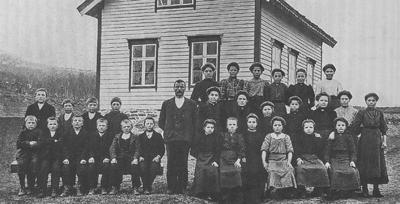 Gamle Lødemel skule i 1909