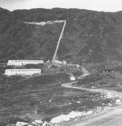 Brakkeby og trallebane er bygd i 1956. Foto utlånt av Fortun kraftverk.