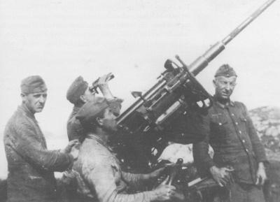 Ein slik luftvernkanon hadde tyskarane i Havreneset. Fotosamlinga til Kystmuseet.
