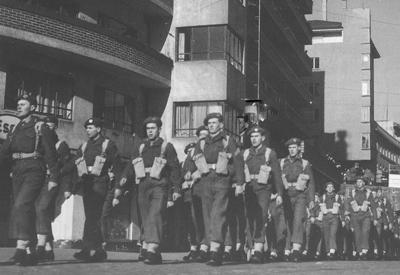 Brigade 511 paraderer i Bergen før avreise til Tyskland i 1951. Privat foto.