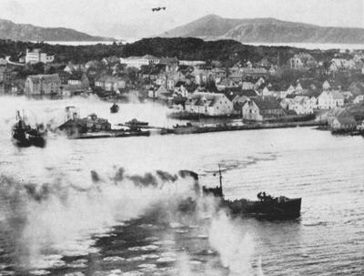 Allierte fly skyt på tyske skip på Florø hamn 4. november 1944.