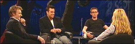 God stemning i studio da Robbie Williams kom p� bes�k i desember 2005 (Foto: NRK)