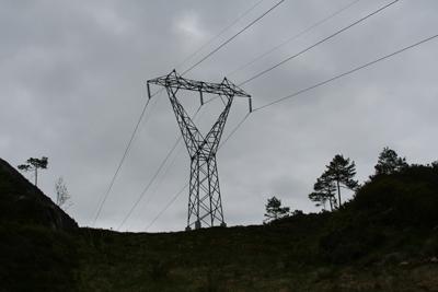 Kraftmast ved Stakaldefossen. Foto: Ottar Starheim.
