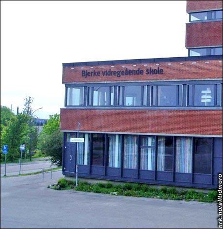 (Foto, manipulasjon og innsendt av: Rune H. Johansen, http://rhj.info/)