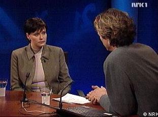 Cathrin Rustøen ble intervjuet av Knut Olsen i Redaksjon 21 i kveld. (NRK-foto)