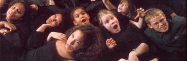 Nordic Black Theatre driver barneteater også.