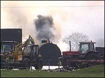 Røyk fra dyr som brennes stiger til værs flere steder i Storbritannia. (Illustrasjonsbilde)
