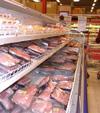 Det er mange som vil handle mat i Sverige før jul.