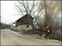 Stillinger som den albanske geriljaen har operet fra, blir eliminert.