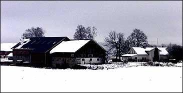 Orderud gård i Sørumsand 1. april 2001. (Foto: Scanpix/Lise Åserud)