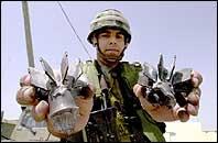 Dette er granatene som utløste den israelske hevnaksjonen og okkupasjonen i helgen (Foto: Scanpix)