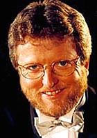 Hans-Petter Jacobsen leder radioens 17. mai-sending.