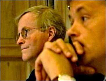 Advokatar Tor Erling Staff og Knut Storberget.