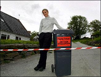 Gårdbruker Karin Spanne fikk i dag tidlig beskjed om at de føreløpige prøveresultatene tydet på at den syke kvigen hennes ikke er smittet av munn- og klovsyke. Foto: Scanpix)