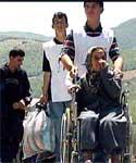 Tusenvis av menneskene har flyktet fra uroen i Makedonia.