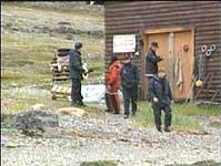 Fra åstedsbefaringen på Reinøya(Foto: NRK).
