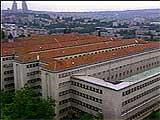 Milosevic sitter i dette fengslet.