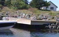 Den ulovlig oppførte brygga ble senere tatt av storm.